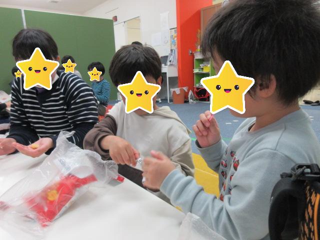 お買い物体験!好きなお菓子を選んで買ってみよう♬/福島西中央教室